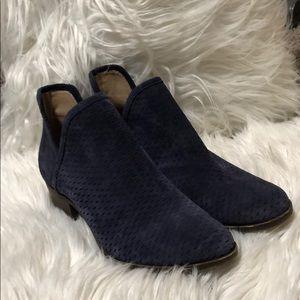 Little heeled dress boots